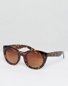 Солнцезащитные очки в массивной оправе AJ Morgan - Коричневый