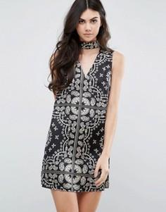 Цельнокройное платье с принтом и горловиной-чокер Parisian - Черный