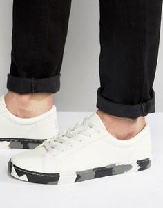 Белые кроссовки с камуфляжной подошвой ASOS - Белый