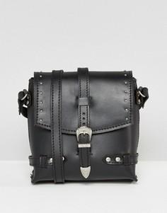 Кожаная сумка через плечо с заклепками ASOS - Черный
