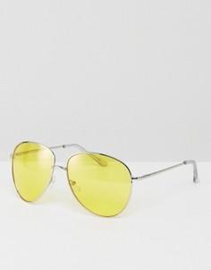 Солнцезащитные очки-авиаторы в серебристой металлической оправе с желтыми стеклами ASOS - Серебряный