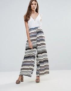 Широкие плиссированные брюки с принтом Liquorish - Мульти