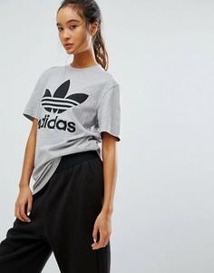 Серая футболка бойфренда с логотипом adidas Originals - Серый
