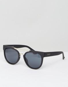 Круглые солнцезащитные очки с двойной переносицей Quay Australia - Черный