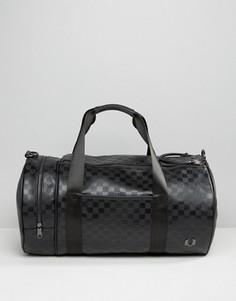 Черная сумка с шахматным узором Fred Perry - Черный