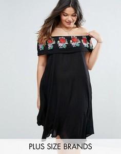 Платье с открытыми плечами и вышивкой на оборке Diya Plus - Черный