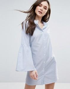 Хлопковое платье-рубашка в полоску с расклешенными рукавами Influence - Синий