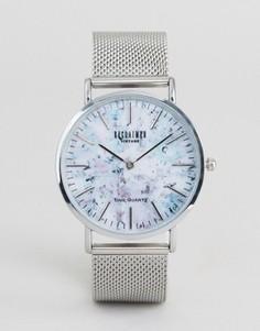 Часы с мраморным принтом и серебристым сетчатым ремешком Reclaimed Vintage - Серебряный