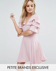 Чайное платье мини с оборками на плечах John Zack Petite - Розовый