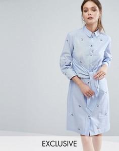 Платье-рубашка с длинными рукавами, завязкой спереди и вышивкой Closet London - Синий