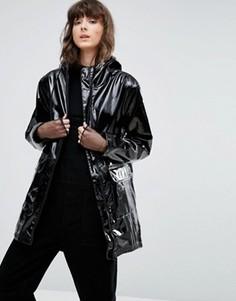 Виниловое лакированное пальто Weekday - Черный