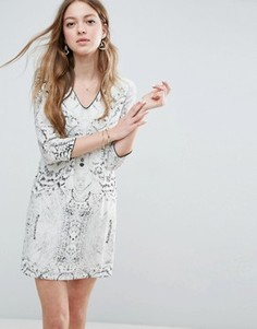 Цельнокройное платье со змеиным принтом See U Soon - Серый