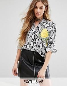 Рубашка бойфренда со змеиным принтом и вышивкой Reclaimed Vintage Inspired - Белый
