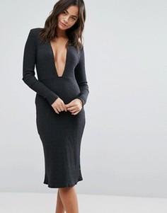 Черное платье с глубоким вырезом и длинными рукавами NYTT - Черный