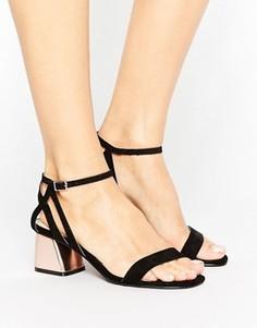 Босоножки на низком блочном каблуке Miss Selfridge - Черный