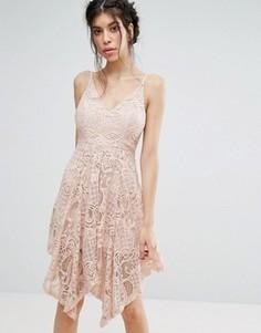 Кружевное платье с асимметричным подолом Love Triangle - Розовый
