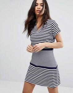 Платье-футболка в полоску Boohoo - Темно-синий