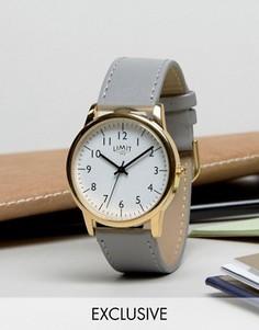 Часы с серым ремешком Limit эксклюзивно для ASOS - Серый