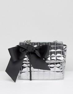 Стеганая сумка через плечо с эффектом металлик ASOS - Серебряный