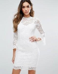 Кружевное платье с высоким воротом и рукавами 3/4 Jessica Wright - Белый