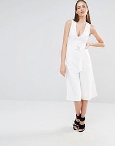 Комбинезон с юбкой-шортами и глубоким декольте Lavish Alice - Белый