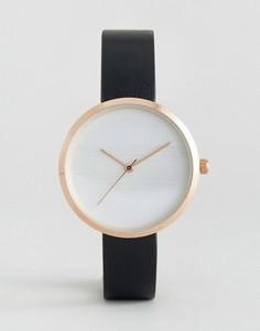 Часы с тиснеными полосками на циферблате ASOS - Черный