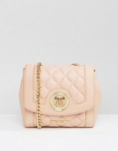 Стеганая сумка через плечо с пряжкой Love Moschino - Розовый