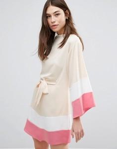 Платье с широкими рукавами и ремнем Hedonia - Розовый