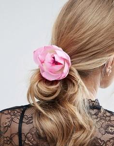 Нарядная заколка для волос с цветком лотоса ASOS - Розовый