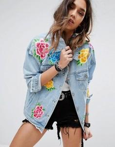 Джинсовая куртка с цветочной вышивкой PrettyLittleThing - Синий