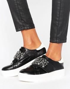 Кроссовки на платформе с отделкой Missguided - Черный