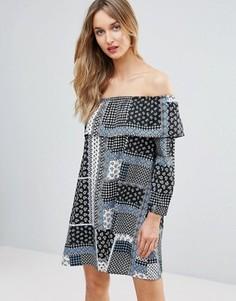 Платье с открытыми плечами и принтом пэтчворк Influence Frill - Мульти