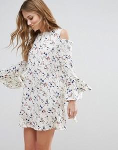 Платье с открытыми плечами и рукавами-фонариками Influence - Мульти