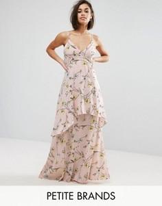 Шифоновое платье макси с цветочным принтом Boohoo Petite - Розовый