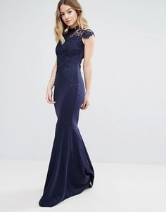 Платье макси с высоким воротом, вязаным крючком кружевом и шлейфом Club L - Темно-синий