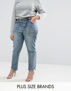 Джинсы в винтажном стиле с необработанным краем Boohoo Plus - Синий
