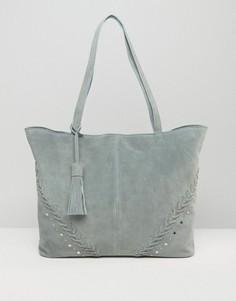 Замшевая сумка-шоппер с заклепками ASOS - Серый
