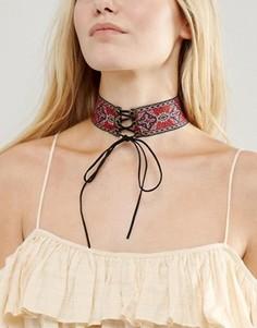 Ожерелье-чокер с вышивкой и завязкой New Look - Мульти