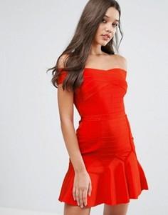 Бандажное платье с открытыми плечами Missguided - Красный