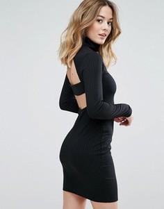 Платье в рубчик с высоким воротом и ремешком сзади Club L - Черный