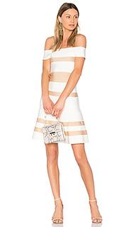 Приталенное и расклешенное платье clara - LOLITTA