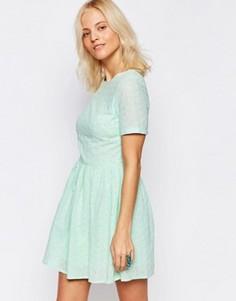 Короткое приталенное платье с вышивкой Girls on Film - Синий