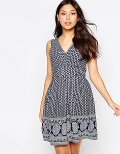 Платье с завязкой и принтом Yumi - Темно-синий
