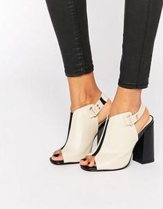 Сандалии на каблуке с открытым носком Daisy Street - Бежевый