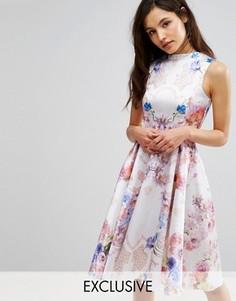 Короткое приталенное платье с высокой горловиной и принтом Hope and Ivy - Мульти
