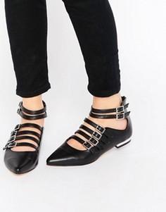 Туфли на плоской подошве с острым носом и ремешками Truffle Collection Edlyn - Черный