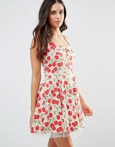 Короткое приталенное платье в стиле 50-х с принтом вишен Iska - Кремовый