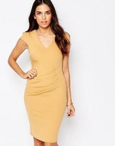 Платье-футляр с драпировкой спереди Jessica Wright Aliz - Бежевый