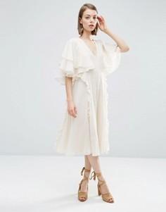 Платье миди с короткими рукавами и рюшами ASOS - Бежевый