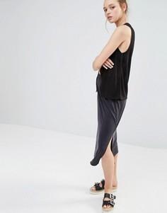 Трикотажная юбка с разрезом сбоку Monki - Черный